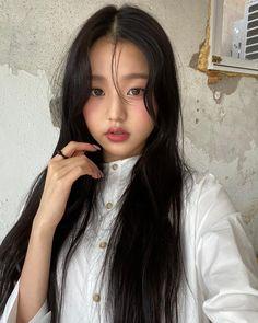 Wiz*one — Jang Wonyoung Eyes On Me, Gfriend Yuju, Japanese Girl Group, Starship Entertainment, The Wiz, Kpop Girls, My Idol, Wattpad, Instagram