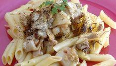Receta de macarrones con hongos y provenzal. Karlos Arguiñano prepara una deliciosa combinación de pasta, pollo, hongos y la mezcla provenzal.