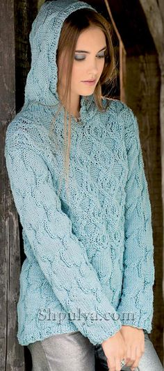 Мятный пуловер с капюшоном и узором из кос
