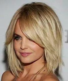 стрижки для волнистых волос средней длины фото без укладки: 25 тыс изображений найдено в Яндекс.Картинках