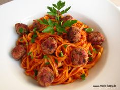 Pasta-Freitag: Tagliarini mit Salsiccia-Klösschen in Tomatensauce - Mario´s Fire Food & Fine Food Impressum: http://www.mario-kaps.de/impressum/