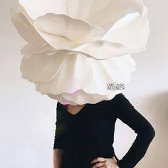 Ich kann das nicht nochmal machen. 😅 . Ich habe heute angefangen eine Rose für mein Projekt zu basteln.🌹 Ich dachte erst, OK, die alte… Ballet Skirt, Ruffle Blouse, Skirts, Instagram, Tops, Fashion, Big Flowers, Projects, Decorations