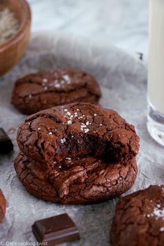 Feast your eyes on these decadent brownie-like chocolate cookies with crackly crusts and chewy fudgy centers. A must try recipe for all chocolate lovers! Easy Desserts, Delicious Desserts, Yummy Food, Recipes For Desserts, Healthier Desserts, Yummy Snacks, Healthy Snacks, Fun Baking Recipes, Sweet Recipes