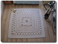 A square carpet made from the outside to the inside - there's a tutorial on my blog :)