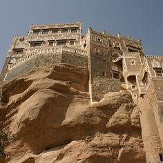 Sanaa, Yemen صنعاء، اليمن By @m_khoory www.magicalarabia.com