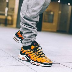 Air Max Plus OG Tiger - Chubster favourite ! - shoes for men - chaussures pour homme - Nike Air Max Tn, Nike Air Max Plus, Nike Tn, Popular Sneakers, New Sneakers, Air Max Sneakers, Sneakers Nike, Nike Air Huarache, Dad Shoes