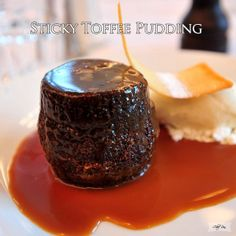 Sticky Toffee Pudding - All food Recipes chicken recipes,easy chicken recipes Frozen Desserts, Fun Desserts, Delicious Desserts, Dessert Ideas, Jello Pudding Desserts, Pudding Recipes, Yummy Recipes, Cake Recipes, Custard Pudding