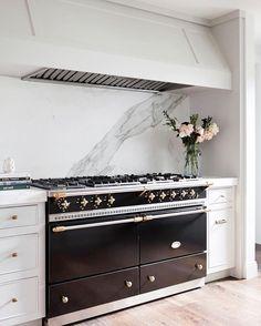 Black & White 🖤 from - Parlez-vous Lacanche 🔥🇫🇷 Kitchen Cabinetry, Kitchen Tiles, Kitchen Dining, Kitchen Decor, Kitchen Appliances, Kitchen Ranges, Kitchen Oven, Design Kitchen, Modern Office Design