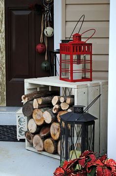 christmas-porch-decorating-ideas-How simple is this idea, but how effective. This just shows that Christmas Decorations do not have to be all shiny and bright to be just as festive Outdoor Christmas Decorations, Rustic Christmas, Winter Christmas, Christmas Home, Christmas Crafts, Christmas Porch Ideas, Christmas Lanterns, Christmas Front Porches, Christmas Drinks