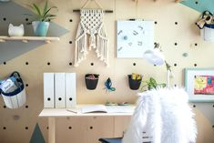 All kinds of decoration and decoration ideas as design, design free of charge are published on our website. You can come to our website to come up with designs that can bring ideas to your mind. 30 Creative DIY Plywood for Your Home Decoration decor decor Plywood Bookcase, Plywood Headboard, Plywood Storage, Plywood Walls, Diy Headboards, Plywood Furniture, Home Furniture, Alternatives To Drywall, Storage Design
