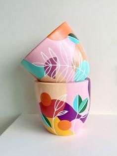 Gallery — The Artful Grimmer Pottery Painting Designs, Paint Designs, Pottery Art, Painted Plant Pots, Painted Flower Pots, Bottle Painting, Bottle Art, Vasos Vintage, Flower Pot Art