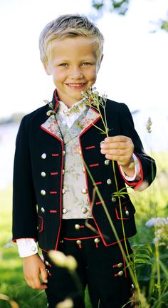What a sweet little guy. Folk Costume, Costumes, Norwegian Clothing, Norwegian People, Polish Clothing, Beautiful Norway, Thinking Day, People Of The World, Guy