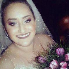 ✨����✨O nosso coração se enche de alegria, quando vemos o sorriso estampado no rosto de nossas noivinhas tão especiais! ��✨��A querida Andreza, nossa noiva linda de ontem, estava radiante e conquistou à todos com sua alegria e simpatia! ✨ Make  Up: @makeuptulioalemao | Penteado: @sandracezarios | Ao novo casal, nossos votos mais sinceros de felicidades, companheirismo e amor, sempre! ✨#noiva #bride #wedding #cuiabá #noivinhalinda #especial #casamento #belíssima #maleup #hair #design…