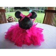 Cute Minnie table topper idea