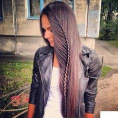 Finest quality clip in hair extensions By Cliphair. Remy human hair years of experience, Buy with confidence! Tape hair, micro ring, pre-bonded, hair wefts in largest colour range and lengths. Beautiful Braids, Gorgeous Hair, Unique Braids, Simple Braids, Love Hair, Great Hair, Awesome Hair, Pretty Hairstyles, Braided Hairstyles
