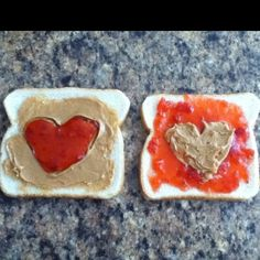 Peanutbutter and jelly samiches anyone??