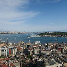 Ist der #Galataturm der schönste Aussichtspunkt auf Istanbuls Altstadt den Bosporus und das Goldene Horn?  Die Antwort findest du in meinem neuen Blogbeitrag mit Fotos in alle Himmelsrichtungen von der Turmspitze aus.  #Istanbul #Türkei #Tuerkei #Türkei2016 #TürkeiUrlaub #TuerkeiUrlaub #turkeyhome #Städtereise #Städtereisen #Reise #Reisen #Urlaub #Urlaub2016 #instareise #instaurlaub #reisefieber #Bosporus #GoldenesHorn #aussichtsturm #Fernweh #Fotodestages #reisefoto #germanblogger…