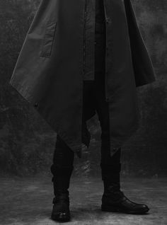 Overcoat – Some sweet lines. Awesome looking boots too.