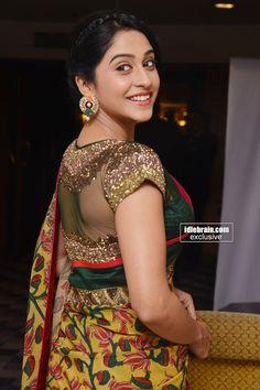 Kalamkari saree teamed with embroidered blouse Saree Blouse Patterns, Saree Blouse Designs, Sari Blouse, Indian Blouse, Indian Wear, Indian Dresses, Indian Outfits, Saree Jackets, Choli Designs