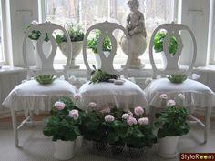 Gustavian chairs - Swedish model. Light pink gereanium - Mårbacka