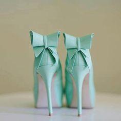 tiffany blue bow back heels. love.