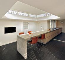 Huis Amstelveen 2 | Maxim Winkelaar Espresso, Kitchen, Table, Inspireren, Furniture, Home Decor, Modern Kitchen Cabinets, Modern Kitchens, Design Ideas