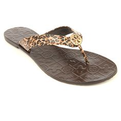Tory Burch Thora-saffiano leopard-print flip-flops ($75) ❤ liked on Polyvore featuring shoes, sandals, flip flops, leopard shoes, leopard print shoes, tory burch, dark brown shoes и leather flip flops