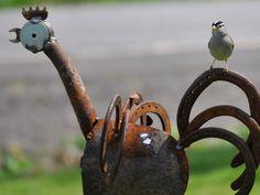 Rusty chicken calling all birds.....
