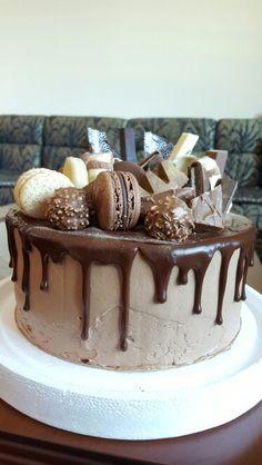 Chocolate overdose drip cake