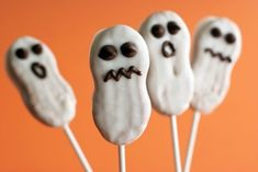 Nutter butter dipped ghosts - Re-pinned by #PediaStaff.  Visit http://ht.ly/63sNt for all our pediatric therapy pins