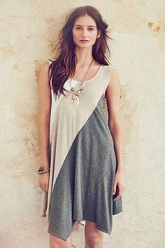 Fashion trends   Color block summer dress, statement necklace
