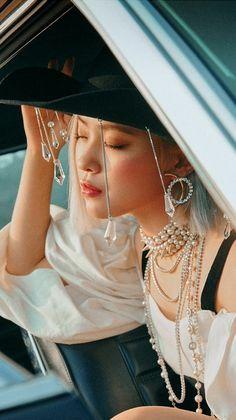 Kpop Girl Groups, Korean Girl Groups, Kpop Girls, Kim Jennie, Tzuyu Body, K Wallpaper, Girl Crushes, K Pop, South Korean Girls