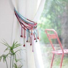 attaches de rideaux sur pinterest rideaux black out toile de lin et embrasses de rideaux. Black Bedroom Furniture Sets. Home Design Ideas