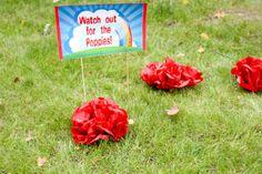 Poppies at a Wizard of Oz party #wizardofoz #poppies