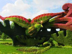 Impressionantes esculturas vivas feitas com flores e plantas