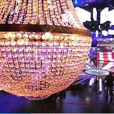 showlightiberiaGran hermano Vip 2016 #telecinco #endemol #zeppelintv #lamparas #produciondetv #produccionaudiovisual #granhermanovip #ghvip4 #gala #ghvip2016 #chandelierrental #iluminacioneventos #iluminaciondecorativa #iluminacion #mediaset #ghvip #tvshow