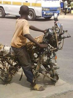 Concept Motorcycles, Custom Motorcycles, Cars And Motorcycles, Funny Images, Funny Pictures, Funny Illusions, Homemade Motorcycle, Summer Family Pictures, Rockabilly Cars