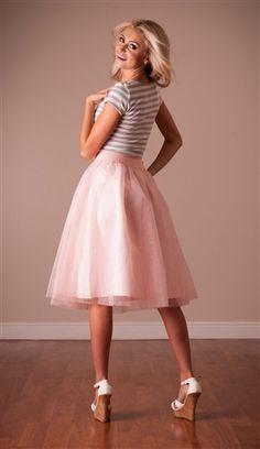 Find more modest fashion inspiration via @modestonpurpose and on the blog at ModestOnPurpose.blogspot.com!!