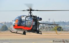 SNACASE Alouette II, one of 2 in flying condition, at the South African Air… South African Air Force, Military Helicopter, Military Equipment, Military Weapons, Pretty Birds, Air Show, Choppers, Military History, Cool Photos