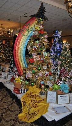 Wizard of Oz Christmas tree!!@Marisa McClellan Pennington Foster #bemorefestive #choosetobemorefestive