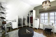 Detached house, interior design, walk in closet. Omakotitalo, sisustussuunnittelu, vaatehuone. Egnahemshus, inredningsdesign, klädrum.