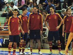 Kike rie con Raúl Campos y Ortiz en el calentamiento. @SeFutbol España-Grecia. Homenaje a Kike Boned. Ginés Rubio @grl48