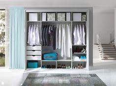Wystrój wnętrz - Garderoba - pomysły na aranżacje. Projekty, które stanowią prawdziwe inspiracje dla każdego, dla kogo liczy się dobry design, oryginalny styl i nieprzeciętne rozwiązania w nowoczesnym projektowaniu i dekorowaniu wnętrz. Obejrzyj zdjęcia!