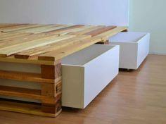 Simple Pallets Bed DIY Pallet Bedroom - Pallet Bed Frames & Pallet Headboards Source by Pallet Bedframe, Diy Pallet Bed, Diy Pallet Projects, Pallet Headboards, Pallet Toddler Bed, Fabric Headboards, Upholstered Headboards, Pallet Couch, Pallet Crafts