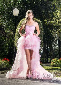 11327ba0d Hermoso y romántico vestido de 15 años corto adelante y largo atrás -  Revista Tweens 15