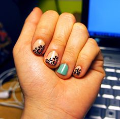 Leopard nails!  LOVELOVELOVELOVELOVELOVELOVELOVELOVE.