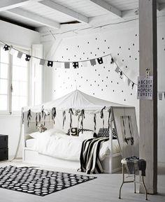 Loving this KURA bed hack!