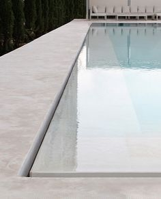 swimming pool edge detail