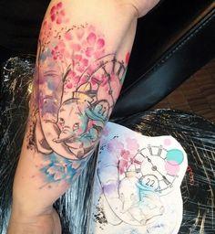 Dumbo disney watercolor tattoo Carolina Avalle More watercolor tattoo Rose Tattoos For Men, Black Rose Tattoos, Trendy Tattoos, Tattoos For Women, Tattoos For Guys, Mom Tattoos, Tatoos, Disney Aquarell Tattoo, Disney Watercolor Tattoo