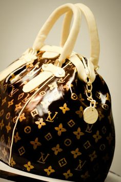 Louis Vitton Handbag Cake